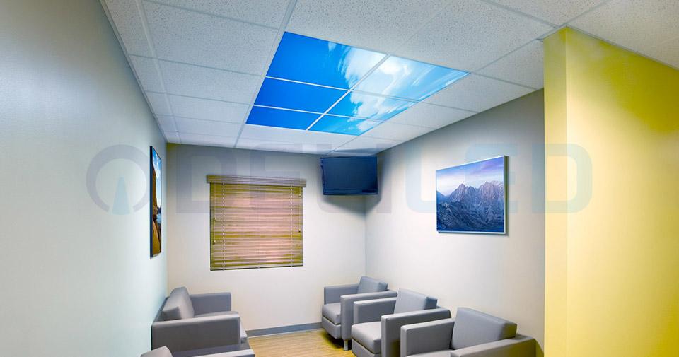 Dalles LED imprimées : plafond ciel bleu