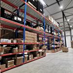Les entrepôts de DELILED avec plus de 1000 références en stock, disponibles en 24/48 heures